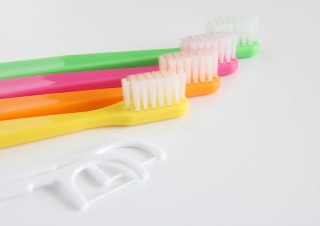 歯間ブラシなどを使用した細かいケア